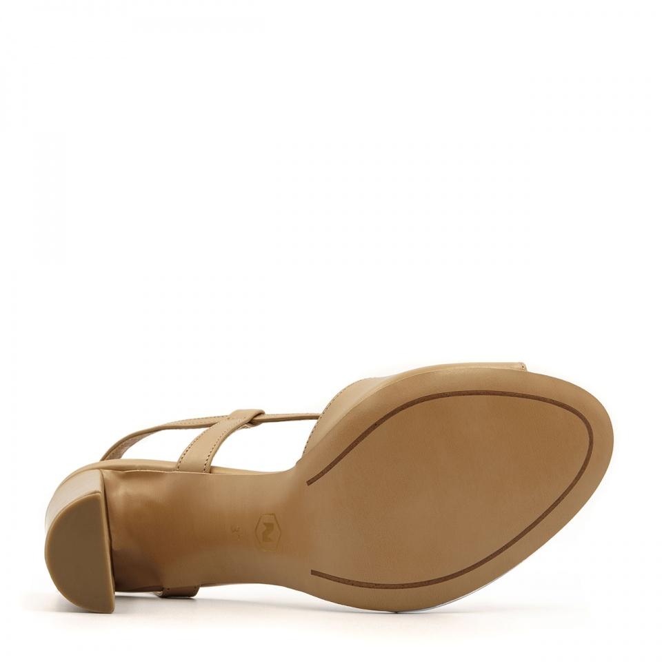Złote skórzane sandały na obcasie z paskami 04S1